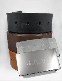 Cinturón de cuero personalizado con texto.