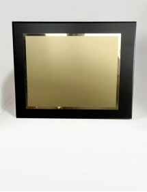 placa de homenaje dorada personalizada.