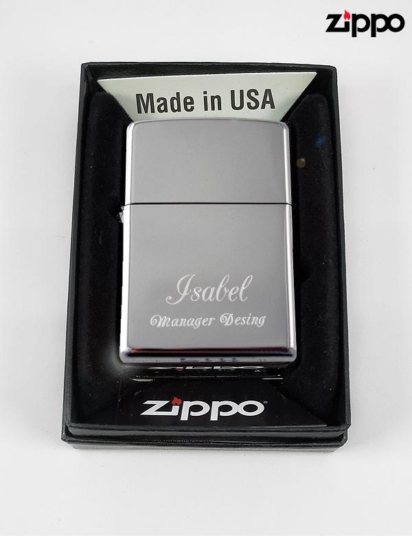 Zippo personalizado.