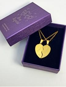 colgante corazón dorado grabado